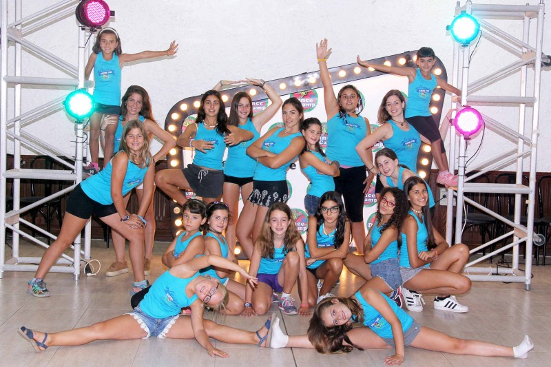 1487845647-campamento-grupo-dance-+ni%C3%B1as